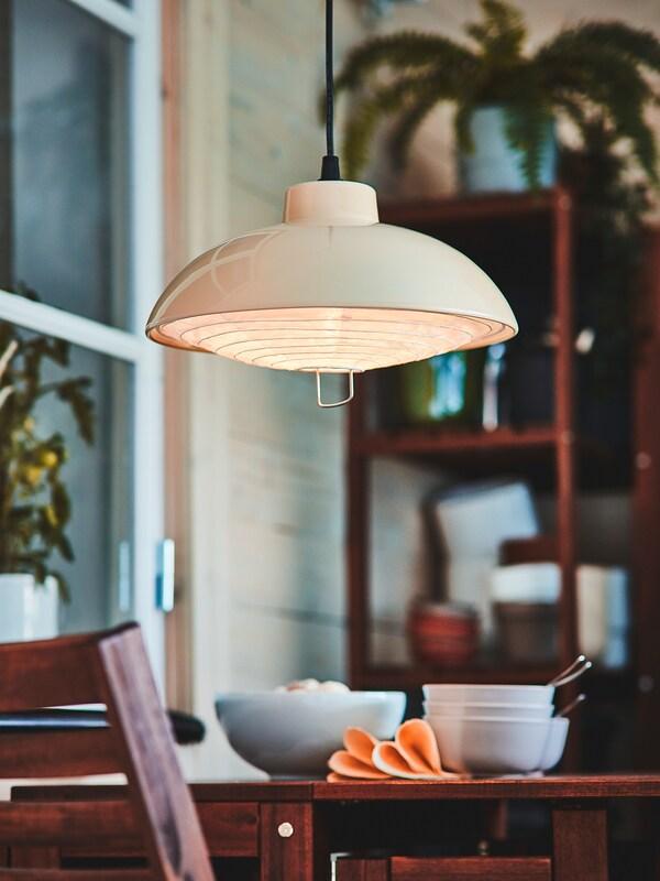 SOLVINDEN Lampada sospensione LED energia sol, da esterno/beige, 38 cm