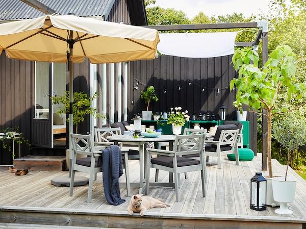 BONDHOLMEN Stůl, venkovní, šedá, 108 cm