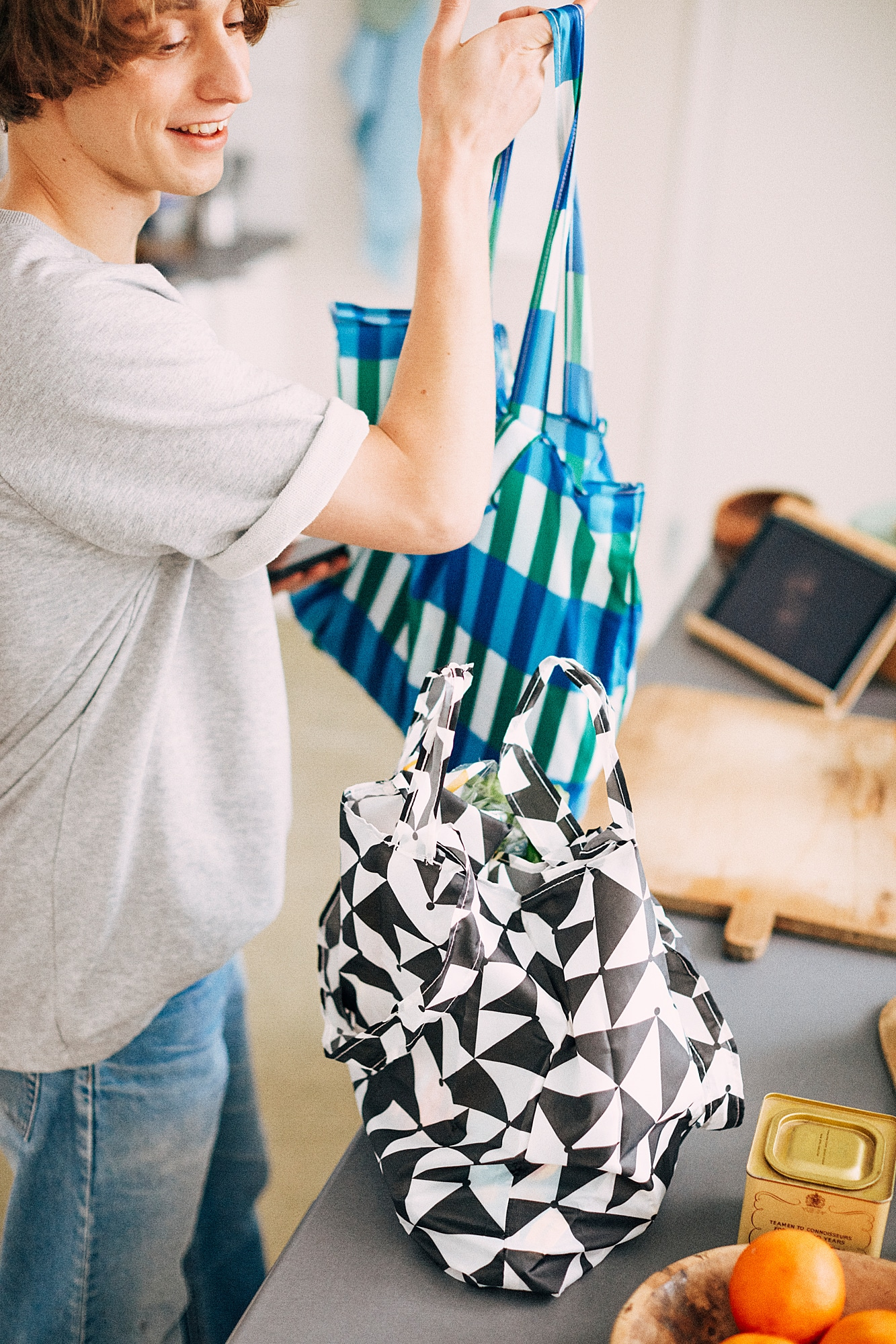 SKYNKE Nákupní taška, černá/bílá
