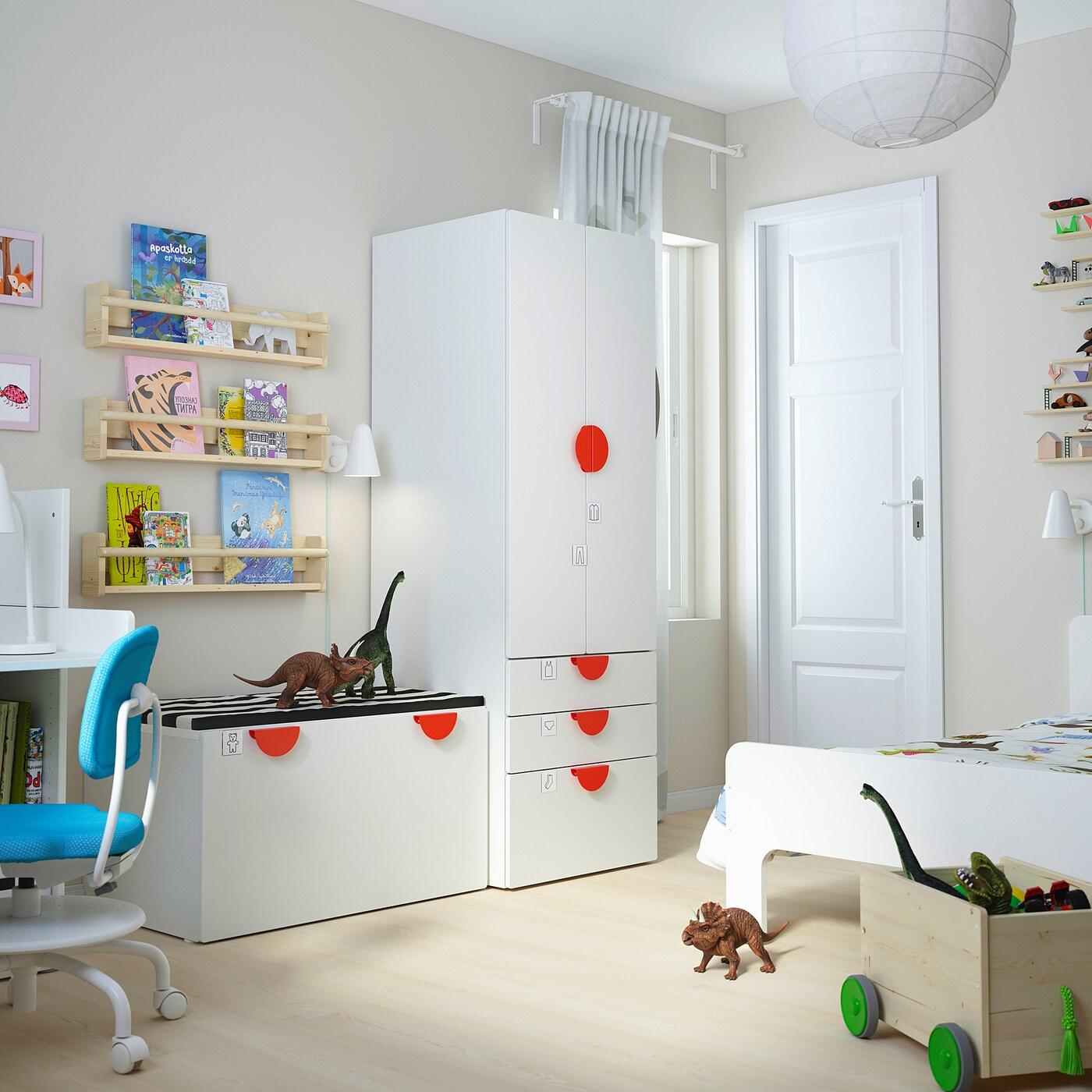 SMÅSTAD Úložná sestava, bílá bílá/s lavicí, 150x57x181 cm