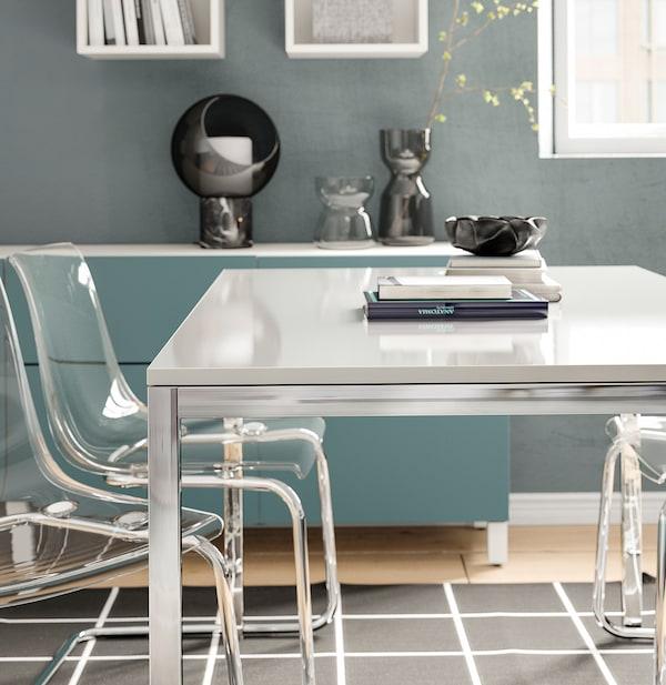 TORSBY Stůl, pochromované/lesklá bílá, 135x85 cm