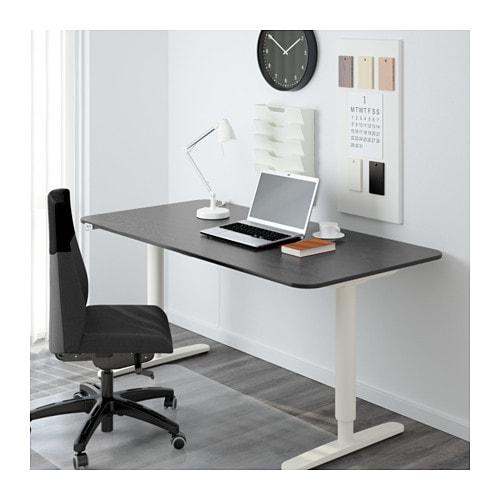 bekant schreibtisch sitz steh schwarzbraun wei ikea. Black Bedroom Furniture Sets. Home Design Ideas
