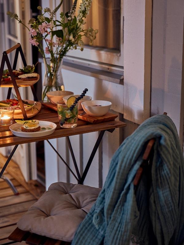 TÄRNÖ Tisch/außen, schwarz/hellbraun lasiert, 55x54 cm