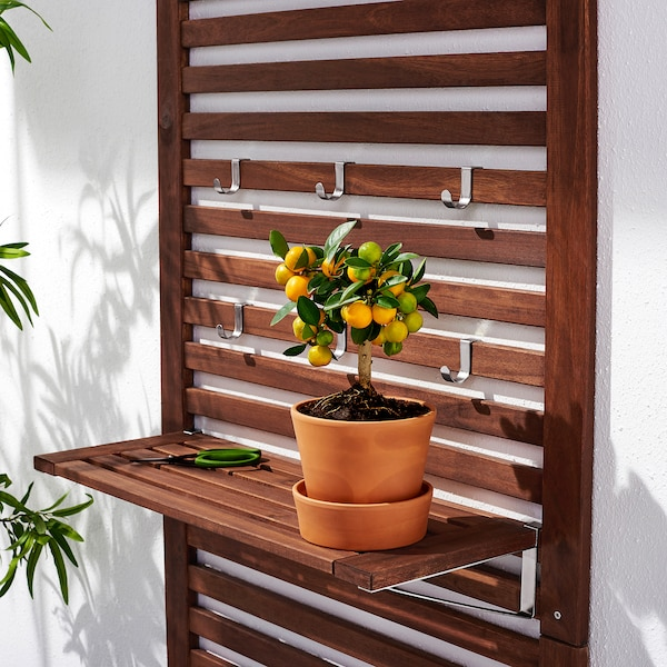 ÄPPLARÖ Bænk med vægpanel+ hylde, ude, brun bejdse, 80x44x158 cm