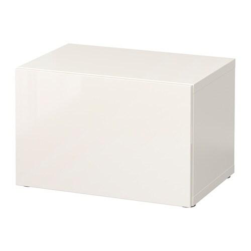 Tv møbel med praktisk opbevaring og plads til dvd og lydsystem