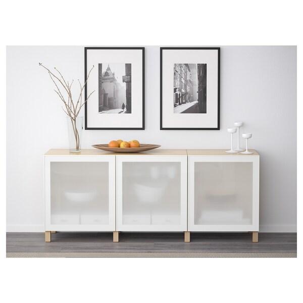 BESTÅ Opbevaring med låger, egetræsmønster med hvid bejdse/Glassvik hvidt frostet glas, 180x42x65 cm