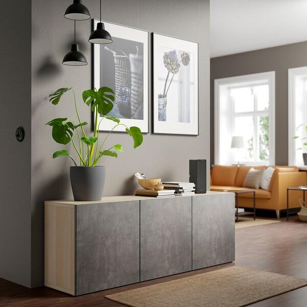 BESTÅ Opbevaring med låger, egetræsmønster med hvid bejdse Kallviken/mørkegrå betonmønstret, 180x42x65 cm