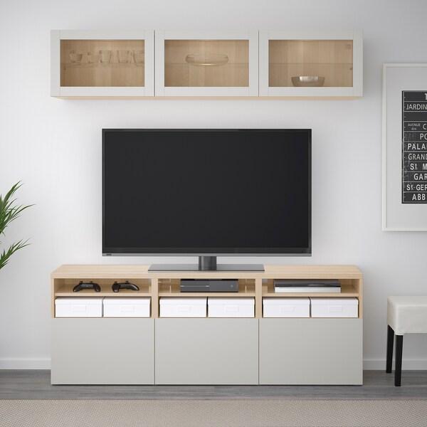 BESTÅ Tv-møbel med vitrinelåger, egetræsmønster med hvid bejdse Lappviken/lysegrå klart glas, 180x40x192 cm