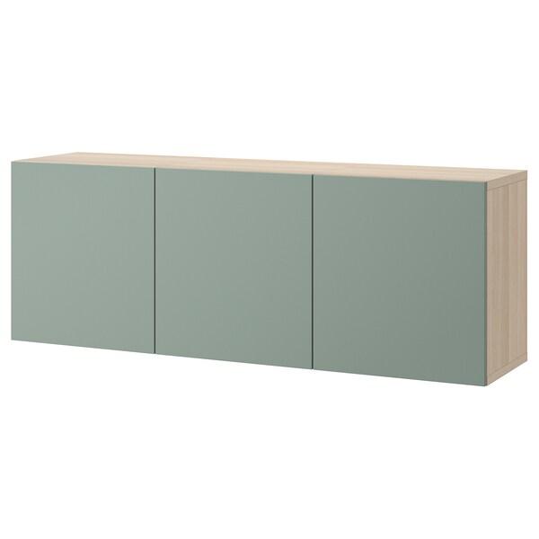 BESTÅ Vægmonteret skabskombination, egetræsmønster med hvid bejdse/Notviken grågrøn, 180x42x64 cm
