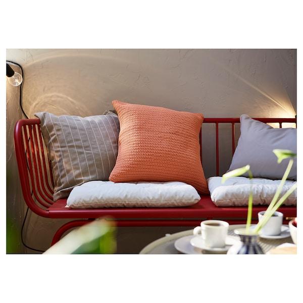 BRUSEN 3-pers. sofa, ude, rød