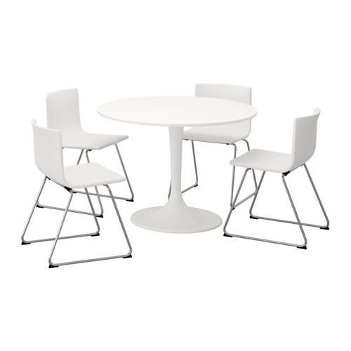 DOCKSTA / BERNHARD Bord og 4 stole IKEA Et rundt bord med bl?de ...