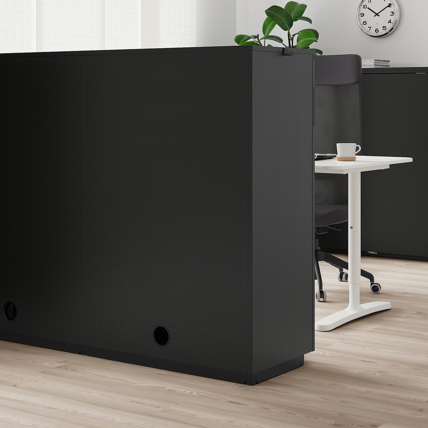 Picture of: Galant Skab Med Skydedore Asketraesfiner Med Sort Bejdse 160×120 Cm Ikea