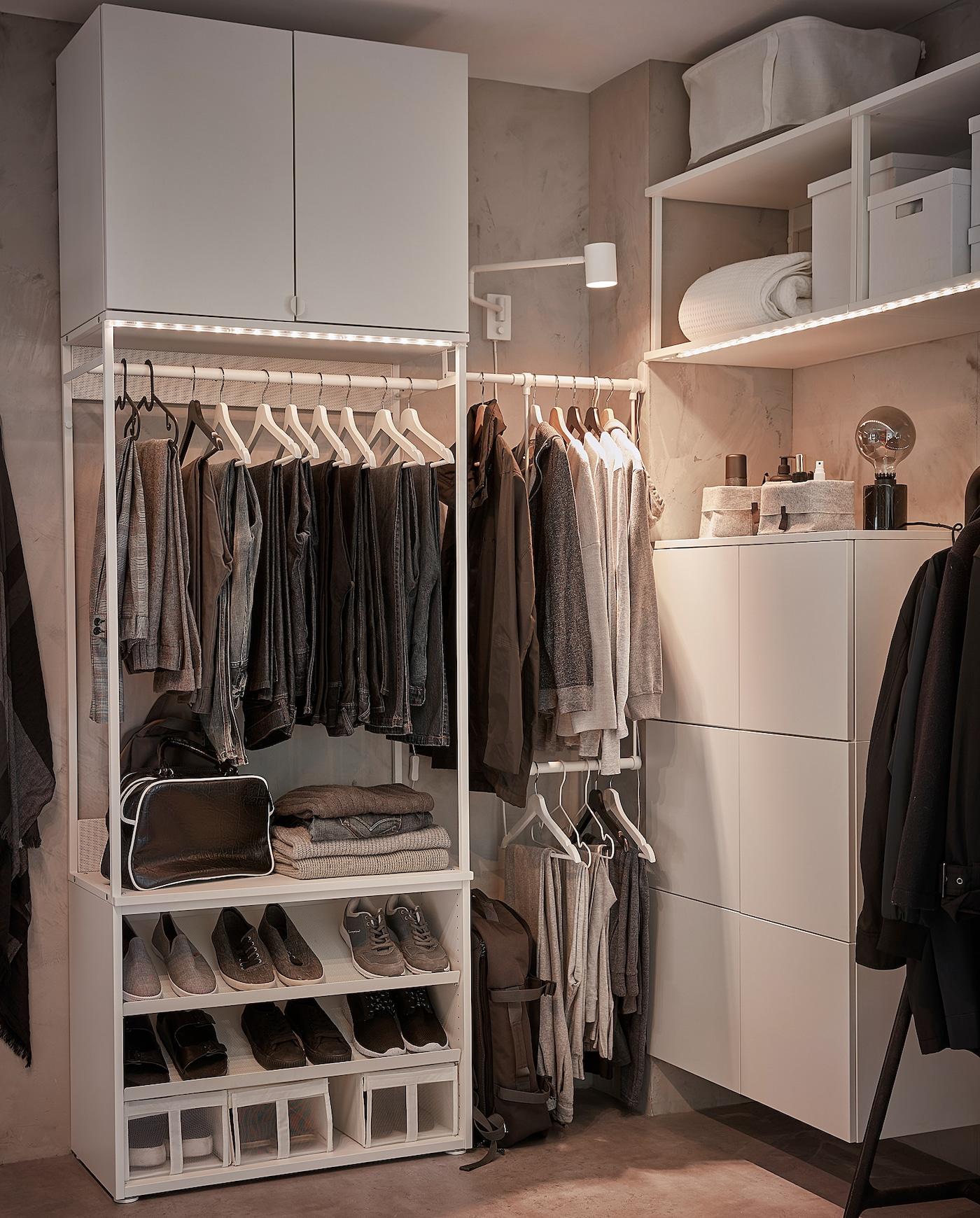 PLATSA Garderobeskab med skohylder/2 låger, 115-140x42x241 cm