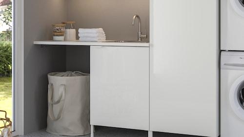 Vasketøjsskabe og reoler