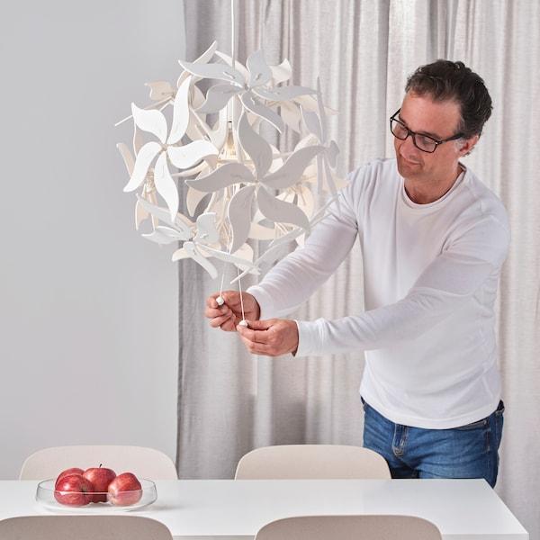 RAMSELE مصباح معلّق, زهرة/أبيض, 43 سم