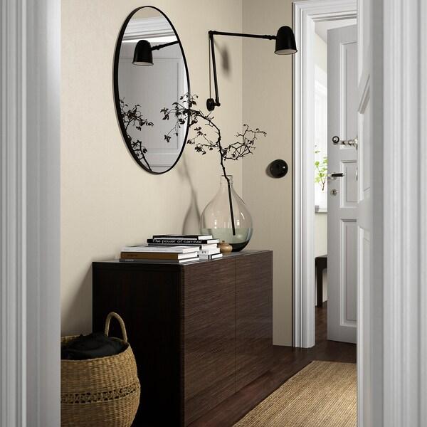BESTÅ Emmagatzematge amb portes, negre-marró/Selsviken alta lluentor/marró, 120x42x65 cm