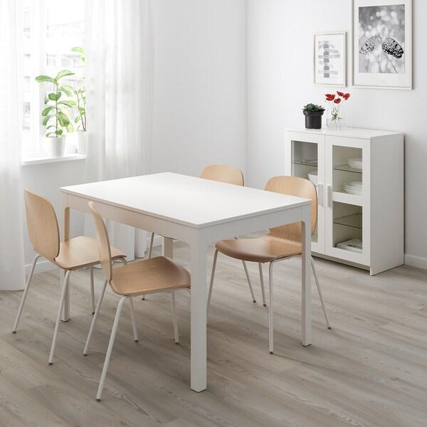 EKEDALEN / SVENBERTIL Taula i 4 cadires, blanc/roure, 120/180 cm