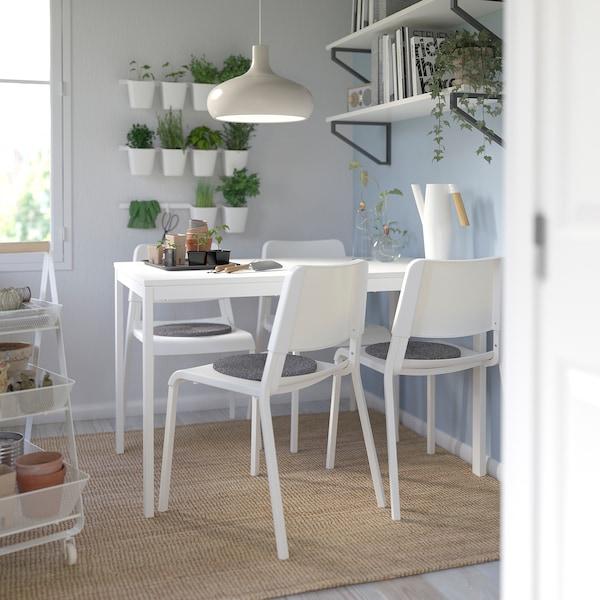 VANGSTA / TEODORES Taula i 4 cadires, blanc/blanc, 120/180 cm