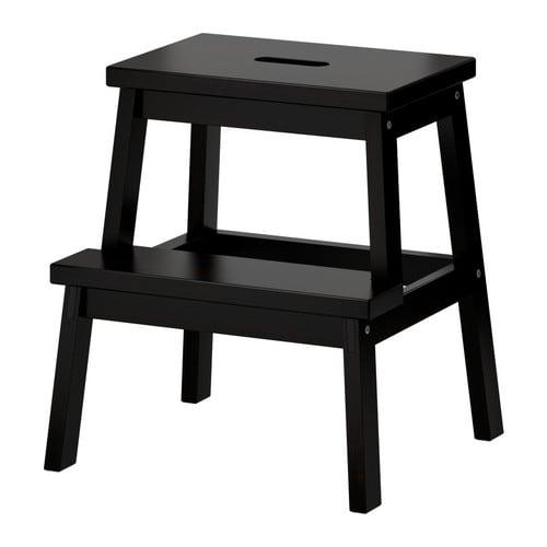 BEKVÄM Taburete escalón IKEA Madera maciza, material natural muy resistente. Agarradera/perforación en el pirmer peldaño para que sea fácil de mover.