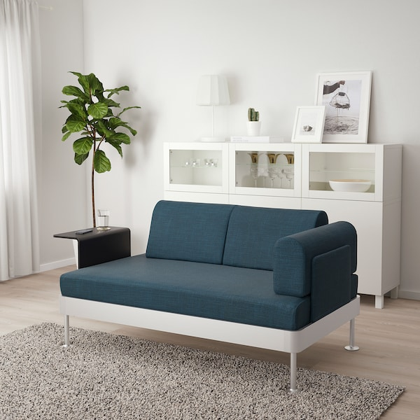 DELAKTIG Sofá 2 con mesa auxiliar, Hillared azul oscuro
