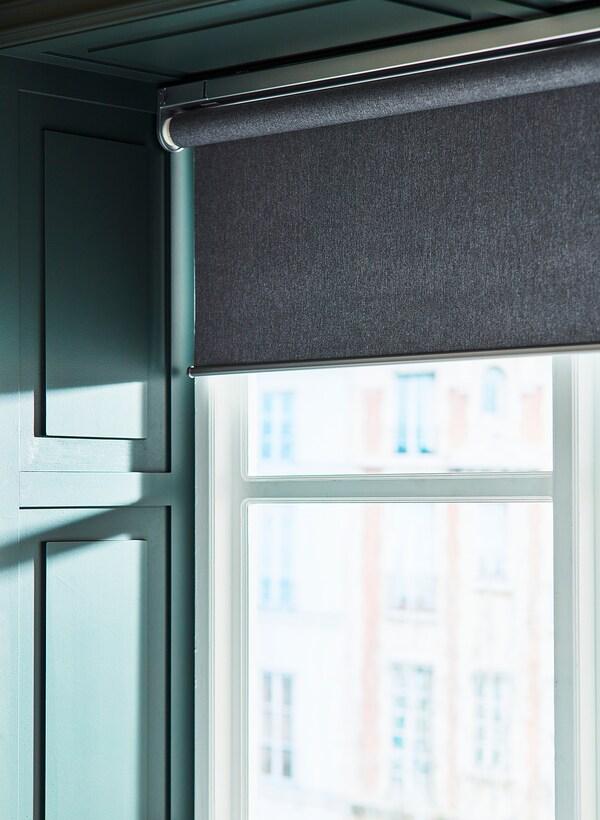 FYRTUR Estor opaco, inalámbrico/a pilas gris, 120x195 cm