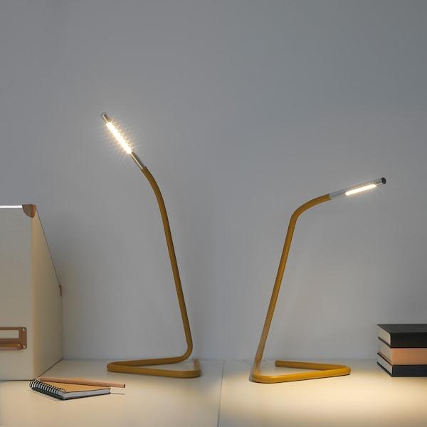 HÅRTE Lámpara trabajo, amarillo/gris plata