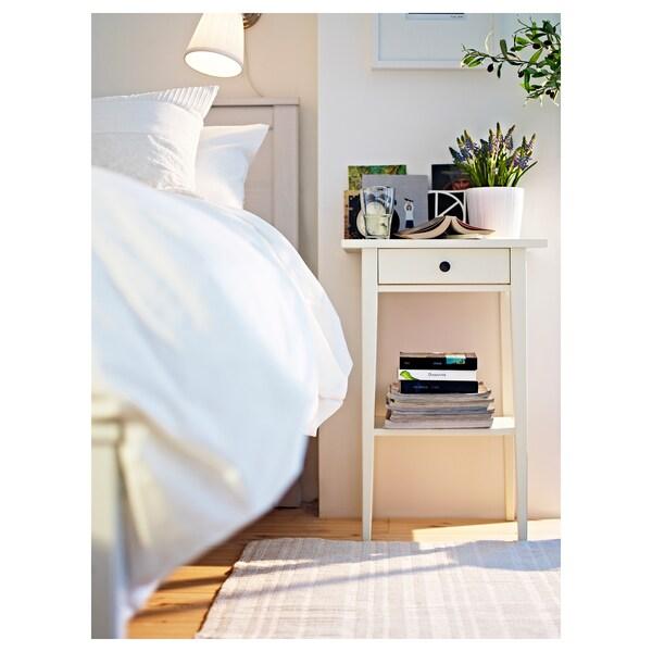 dormitorios con mesa de noche de ikea