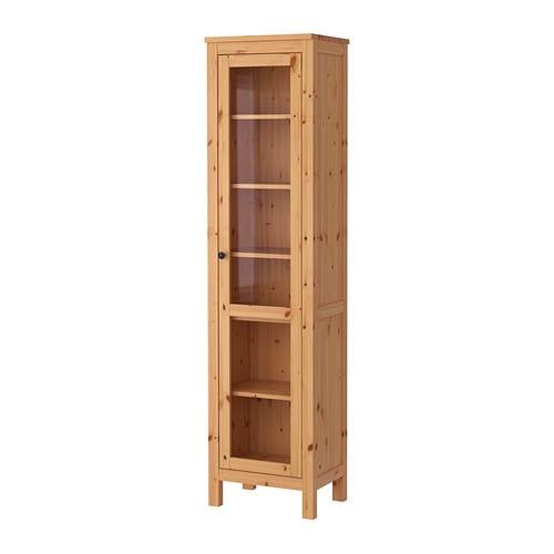 HEMNES Vitrina Más ofertas en IKEA La madera maciza tiene un aspecto