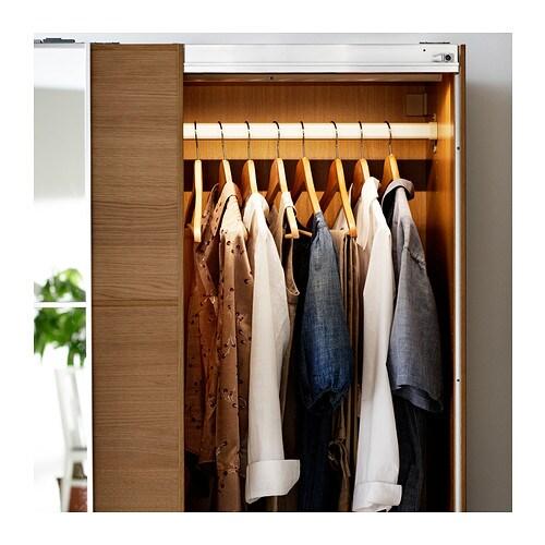 Luces en el armario pax ikea decorar tu casa es - Luz armario ikea ...