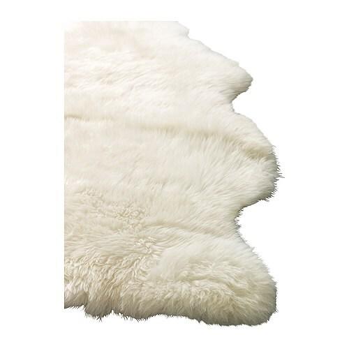 LUDDE Piel de oveja IKEA La lana repele la suciedad y es resistente.