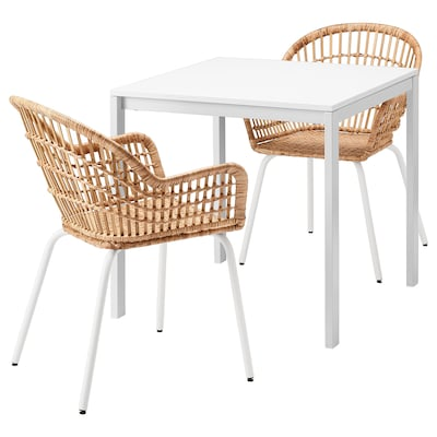 MELLTORP / NILSOVE Mesa y dos sillas, blanco ratán/blanco, 75x75 cm