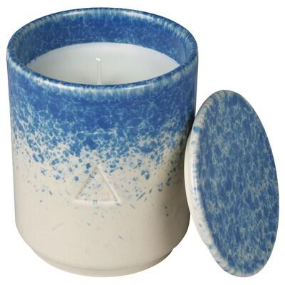 OSYNLIG Vela perfumada&portavela+tapa, Hojas de té y verbena blanco/azul, 10 cm