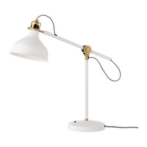 IKEA RANARP lámpara de trabajo Proporciona una luz dirigida, perfecta para leer.