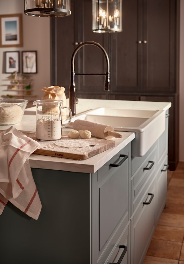 TOLLSJÖN Grifo de cocina con rociador, negro metal pulido