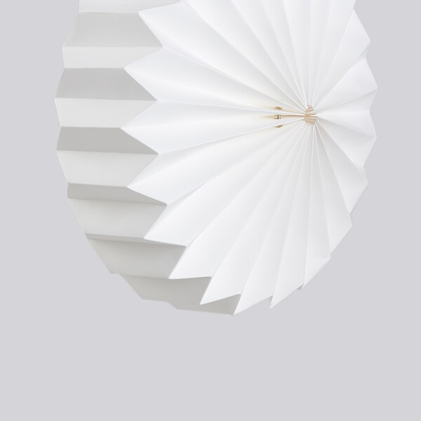 STRÅLA Lanpararako pantaila, origami/zuria, 34 cm