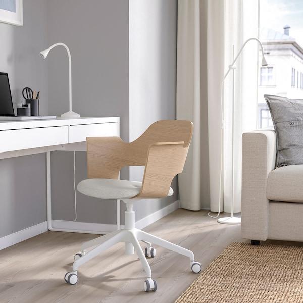 FJÄLLBERGET Cadeira reunión+rodas, chapa carballo tintura branca/Gunnared beixe