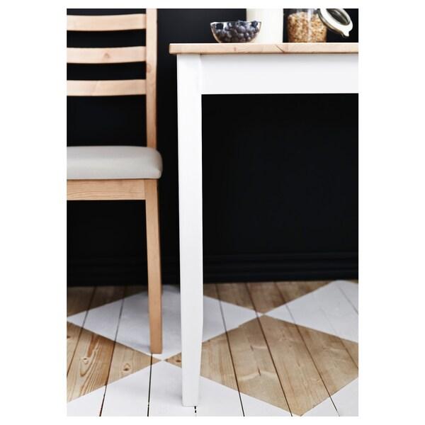 LERHAMN Mesa e dúas cadeiras, tintura envellecida clara tintura branca/Vittaryd beixe, 74x74 cm