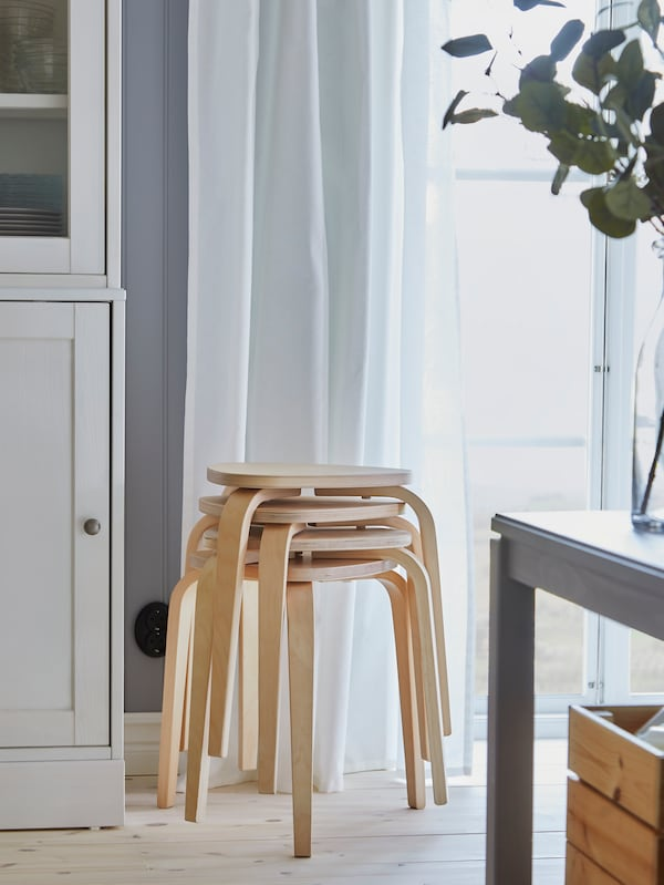 KYRRE stool in birch.
