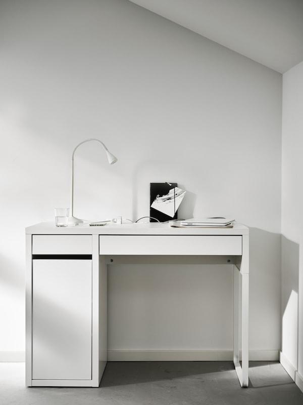 White MICKE desk