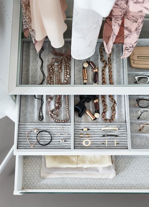 Solution aménagement intérieur avec tiroirs de rangement bijoux