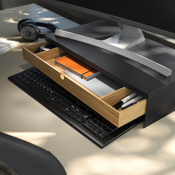 TERTIAL lamp and SUSIG desk pad