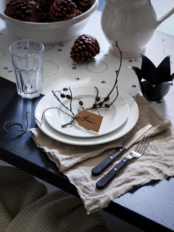 An autumn style decorated dinner table.