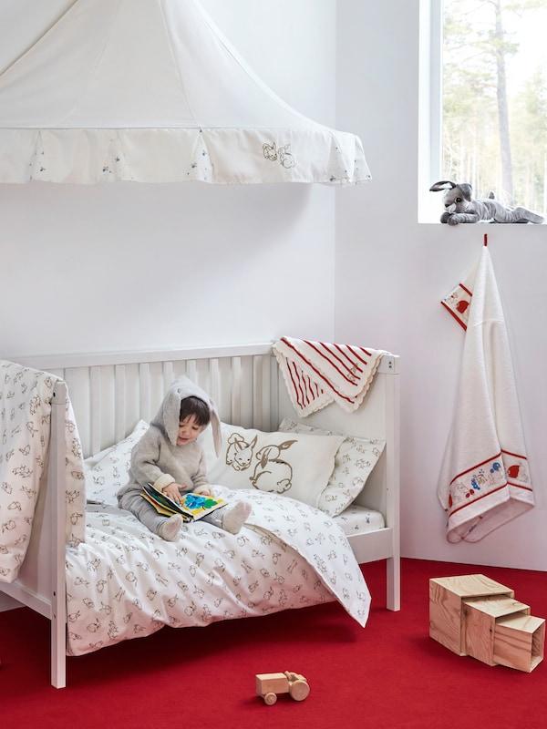 SUNDVIK Babybett, weiß 70x140 cm