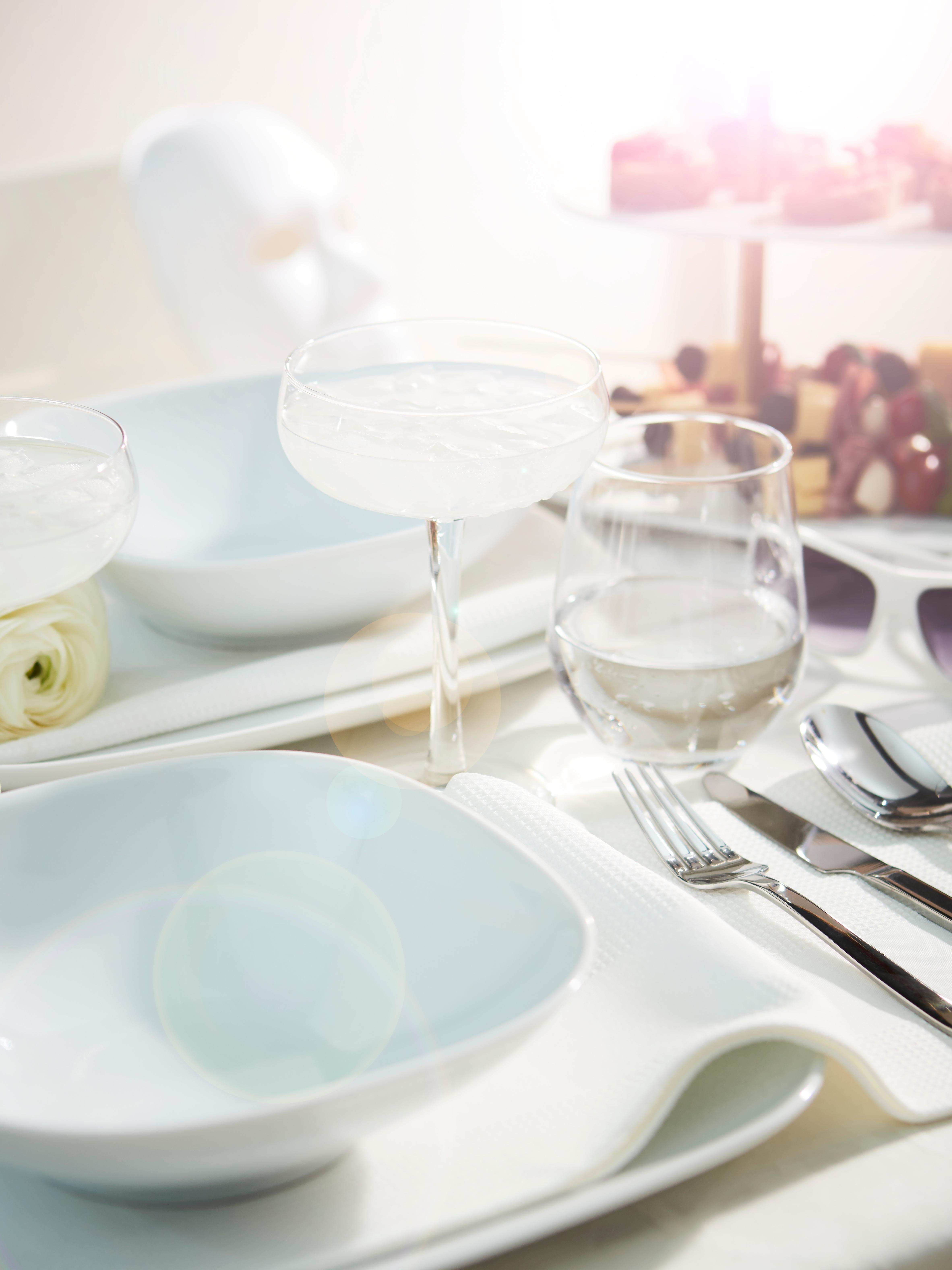 assiette-creuse-VÄRDERA-porcelaine-feldspathique-blanche