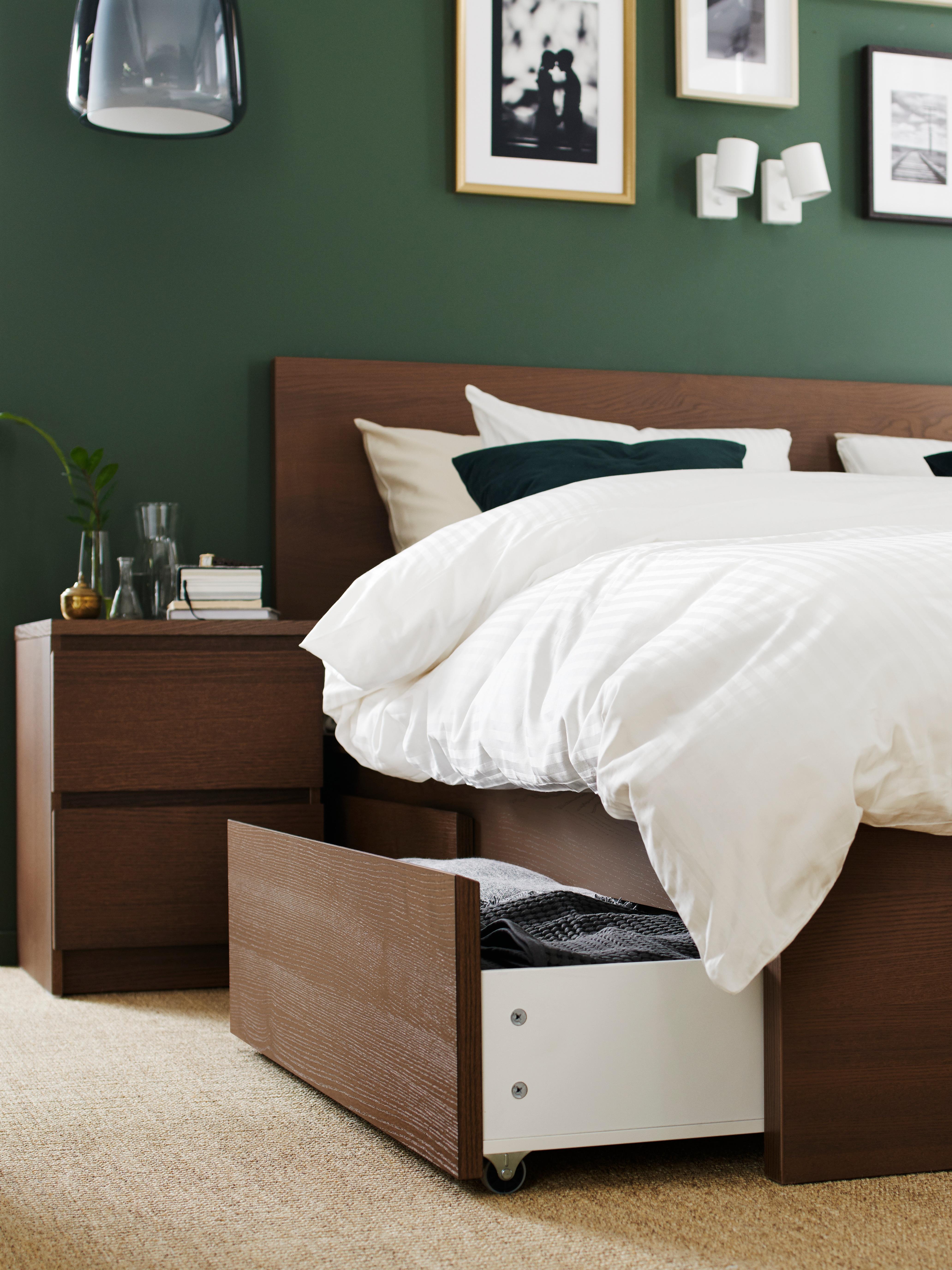 cadre-de-lit-bois-plaqué-frêne-brun-MALM