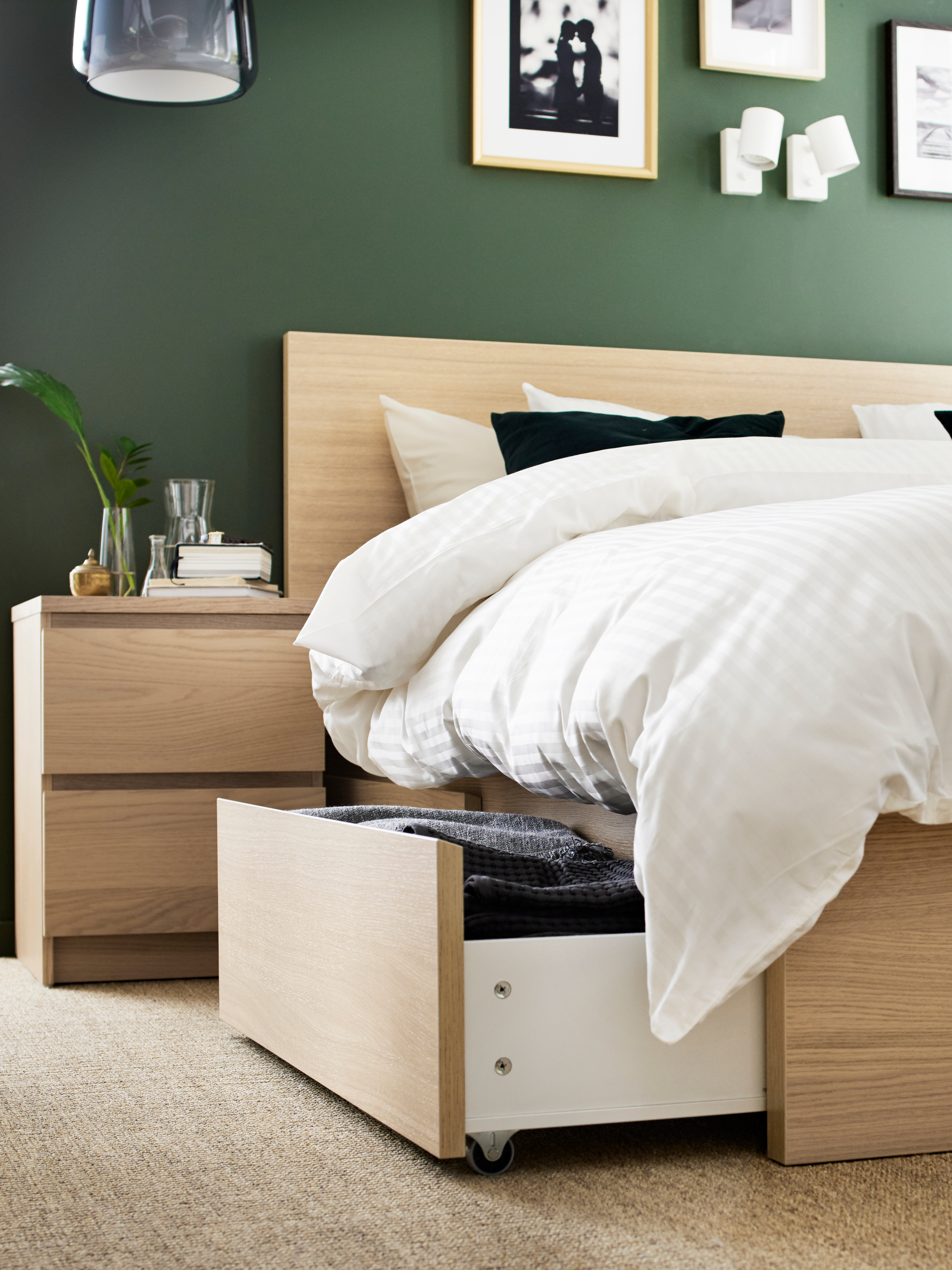 Convenient storage that lets you stay in bed - IKEA
