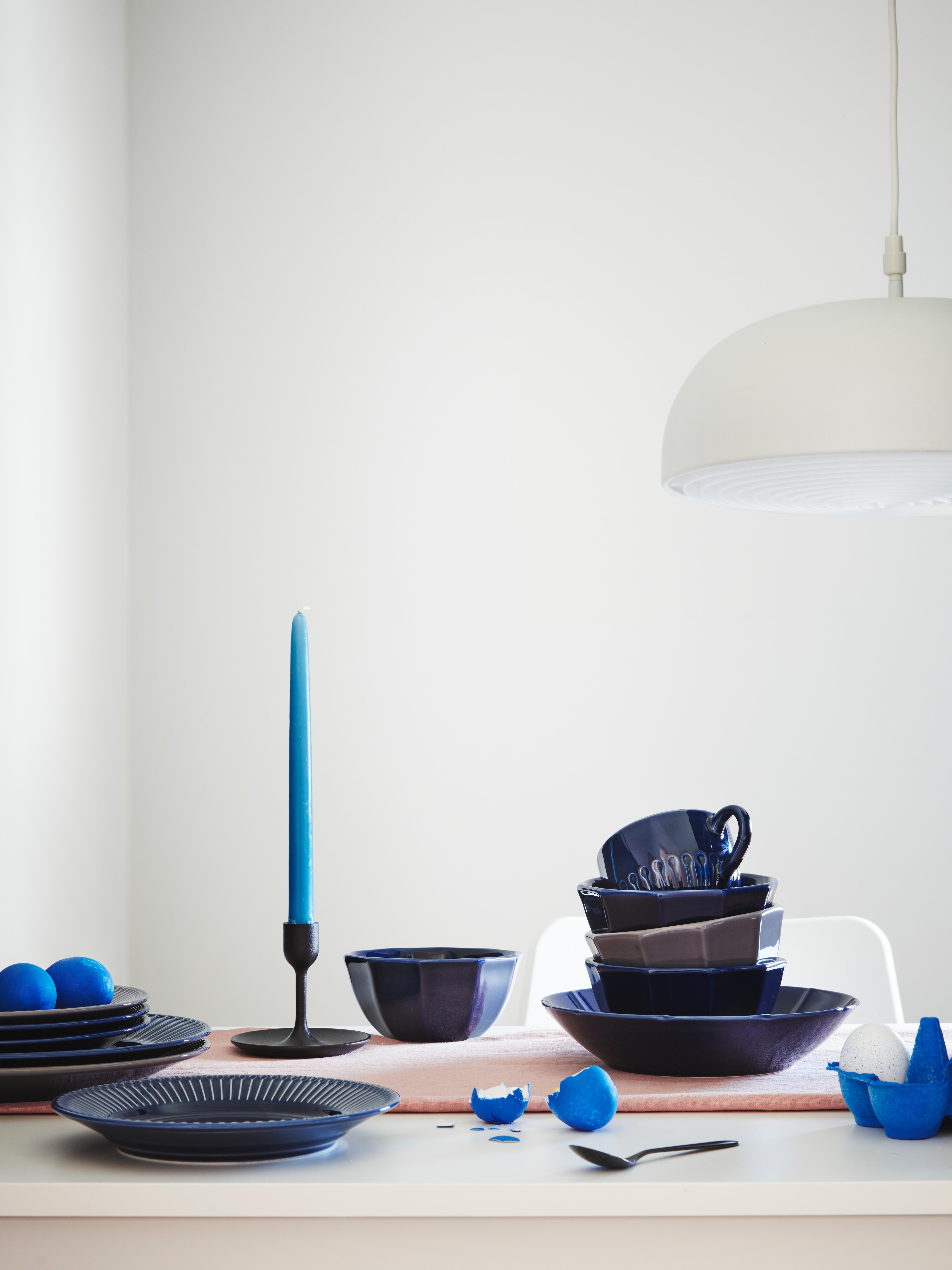 vaisselle-bleue- STRIMMIG