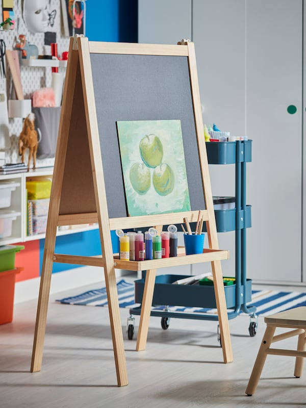 MALA easel for children that want to write and draw all day long.