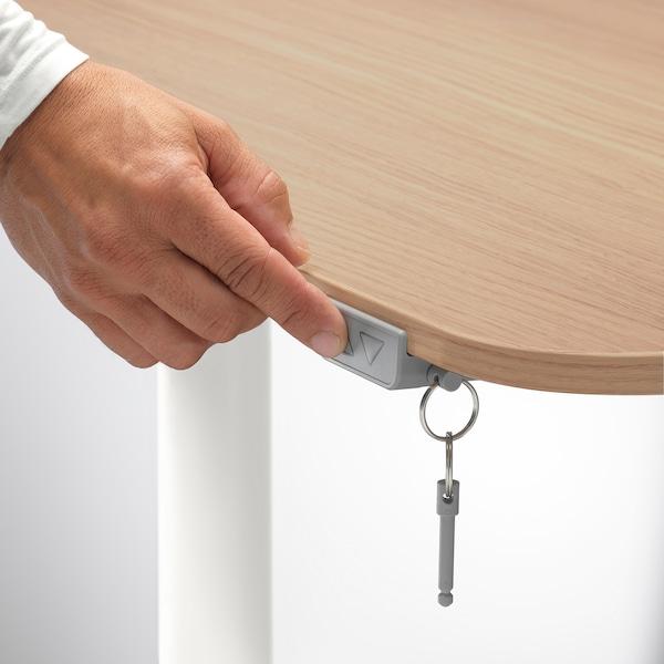 BEKANT Työpöytä, säädettävä, vaaleaksi petsattu tammiviilu/valkoinen, 160x80 cm