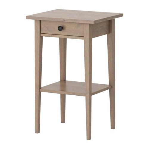 HEMNES Sivupöytä IKEA Helposti avattavassa ja suljettavassa laatikossa on pysäyttimet. Massiivipuuta, kestävää ja kaunista luonnonmateriaalia.
